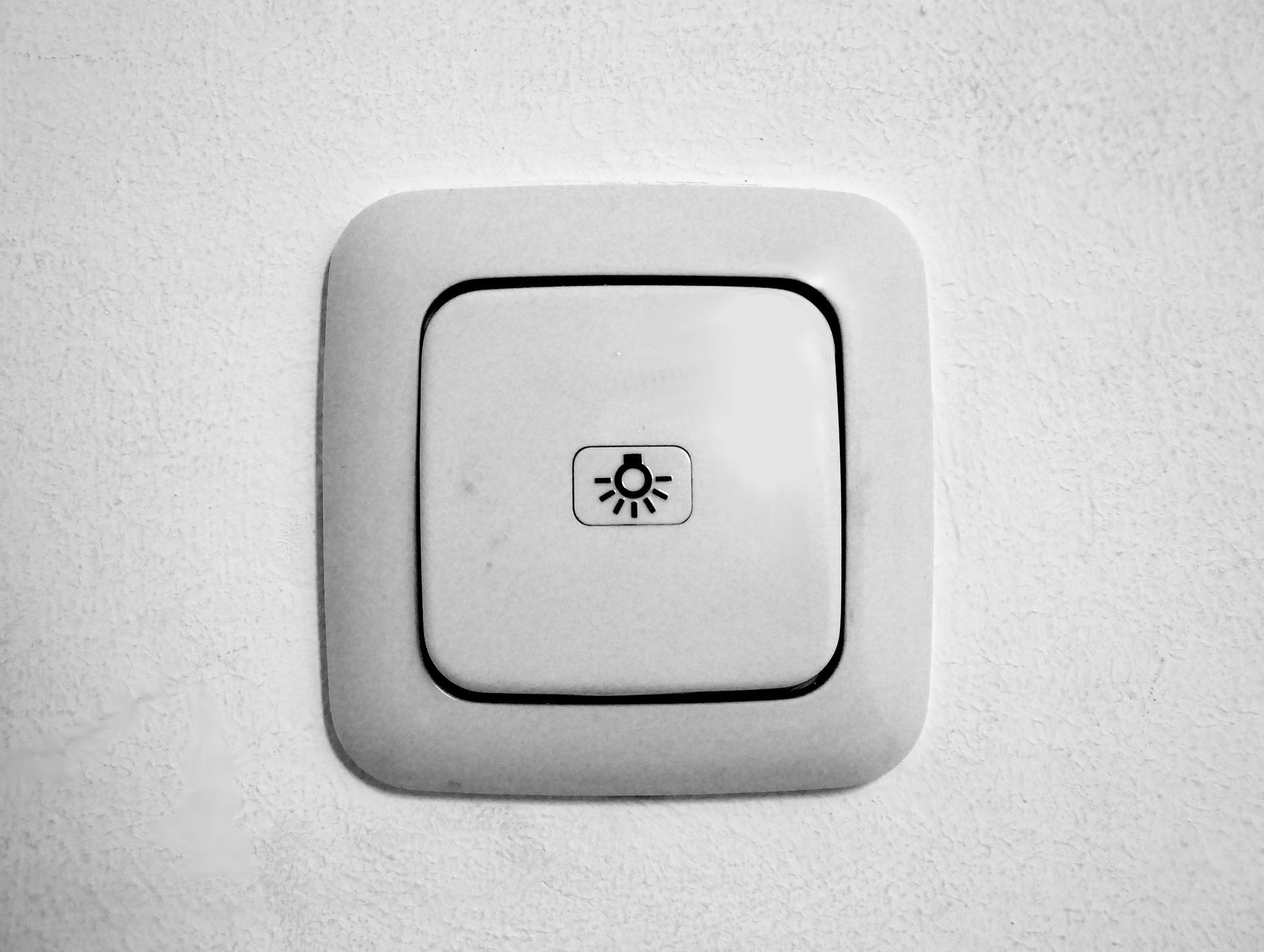 Signes d'avertissement d'interrupteurs muraux défectueux