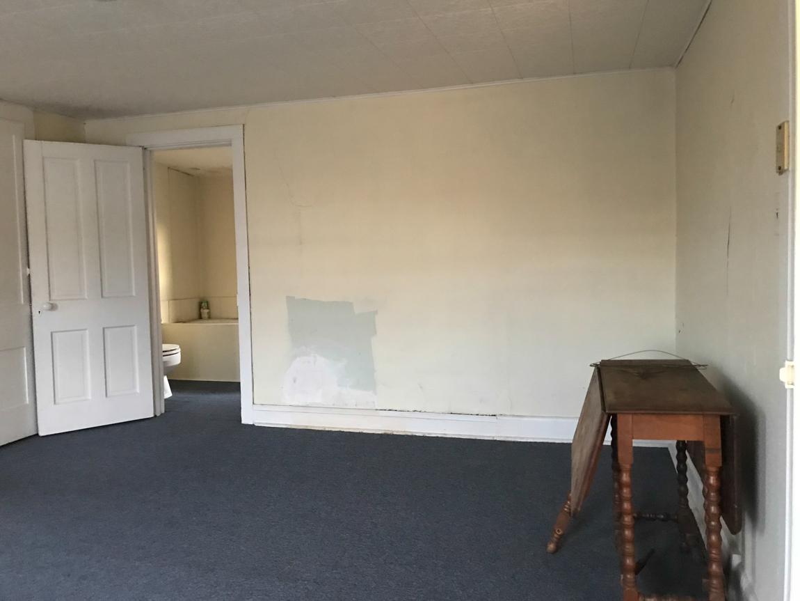 Atelier de bricolage // atelier - avant la rénovation de la pièce @diyshowoff