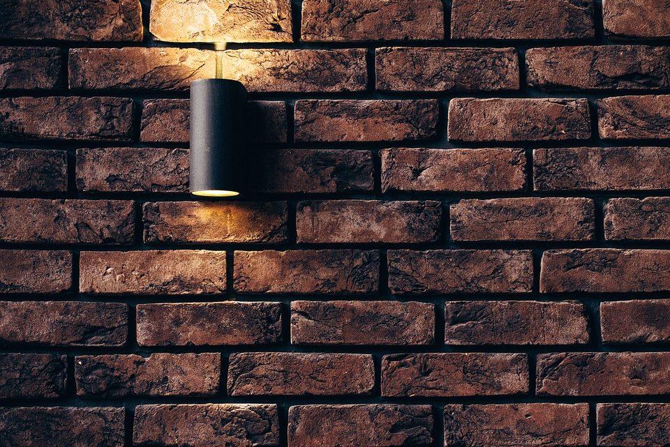 Comment mettre en place des luminaires connectés?