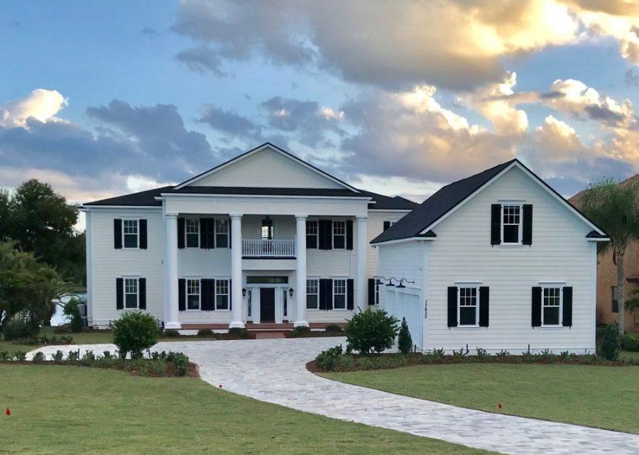 Vendredi: une nouvelle maison de style plantation en Floride