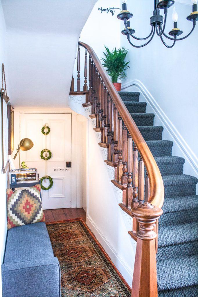 entrée avec escalier