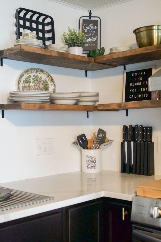 étagères de cuisine flottantes