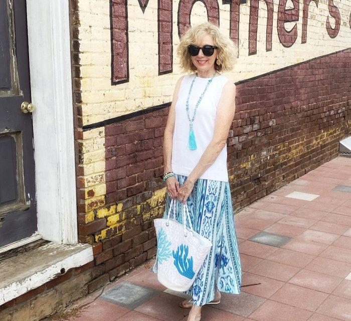 Mode plus de 50 ans: jupe d'été décontractée